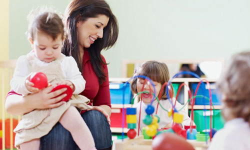 How To Find The Perfect Baby Sitter For Your Child?