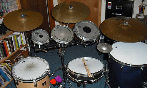 How To Play Drums with a Free 5-Minute Video Lesson