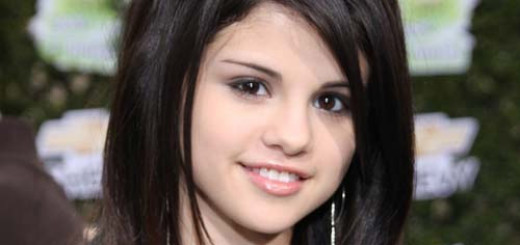 How to look like Selena Gomez