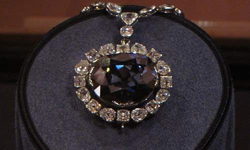 Know The 4 C's of Diamonds Before You Head To The Jewelry Store