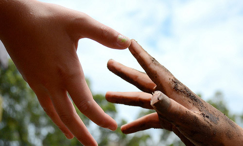 15 Tips To Help Others In Small Ways