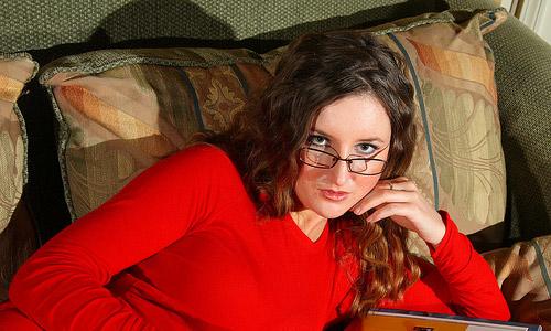 5 Smart Eye Makeup Tips For Women Who Wear Glasses