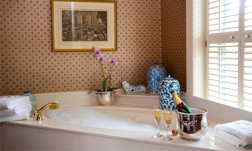 8 Items You Should Have In Your Bathroom