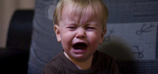 Know How To Deal With Toddler Tantrums With These 10 Tips