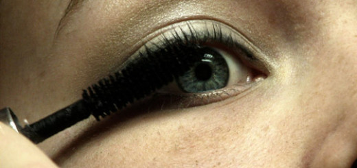 5 ways to stop going wrong while applying mascara