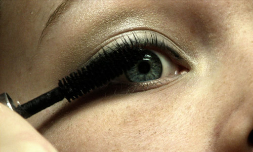 How To Put On Mascara In 5 Steps?