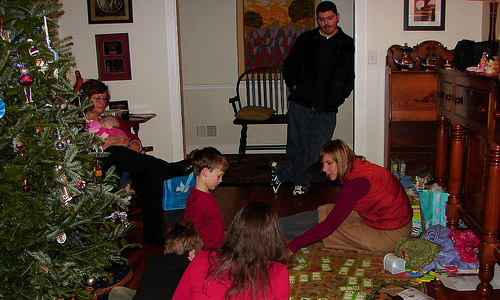 8 Christmas Party Games For Kids