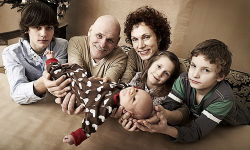Top 12 Tips To Have A Happy Family