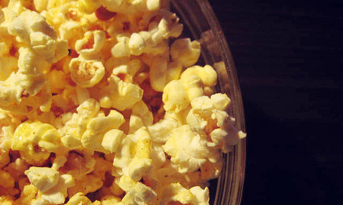 6 Healthy Snacks Ideas to Follow While Watching Movies
