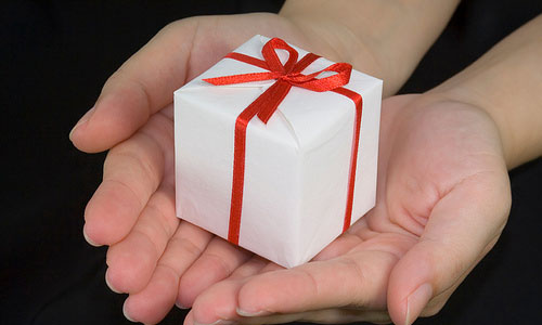 Fun Gifts to Cheer Up A Heartbroken Friend
