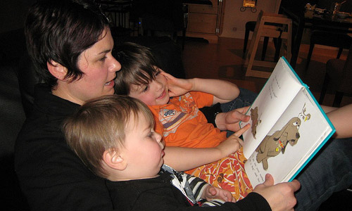 5 Fun Reading Activities to Do With Your Kids