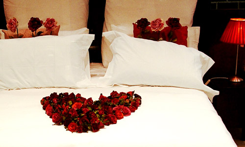 6 romantic bedroom ideas you must try out How to make bedroom romantic