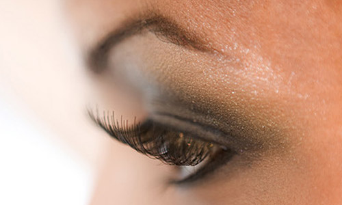 How to Take Care of Eyelashes?