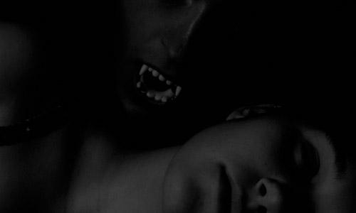 6 Ways to Recognize a Vampire
