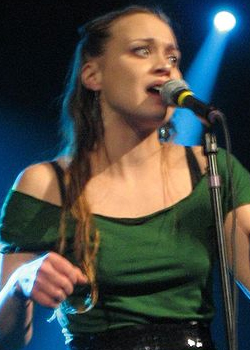 <h4>6. Fiona Apple</h4>