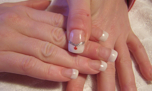4 Steps to Play With Your Nails