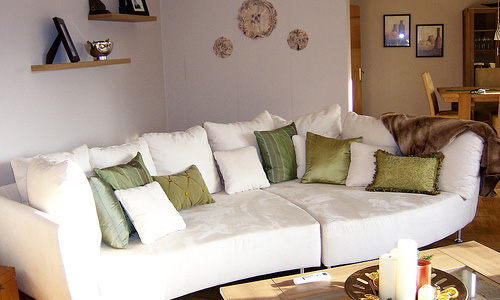 How to Choose Cushions that Redefine Your Living Area?