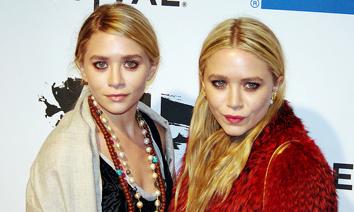 Mary-Kate Olsen - Ashley Olsen