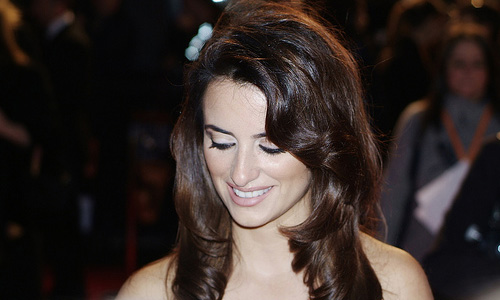 How to Look Like Penelope Cruz