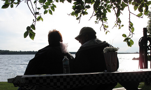 6 Tips to Deal with a Big Age Gap in a Relationship