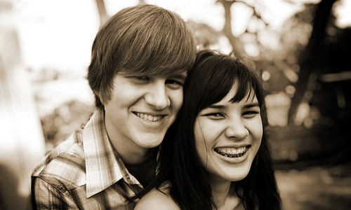 10 Things Only Couples Can Do and Not Singles