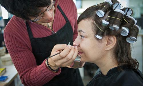 Makeup Tricks To Make Your Nose Look Smaller
