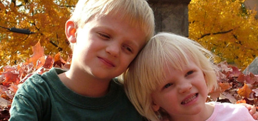 how-to-strengthen-the-bond-between-your-two-kids