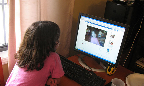 6 Tips to Monitor Your Child's Online Presence