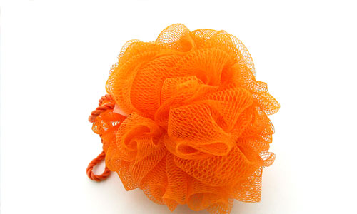 Benefits of Scrubbing With a Loofah