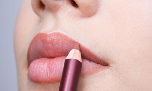 Lipstick-in-winter