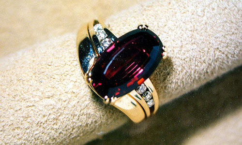 8 Fun Facts about the January Birthstone, Garnet