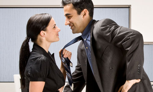 5 Reasons Why Office Romances are a Bad Idea