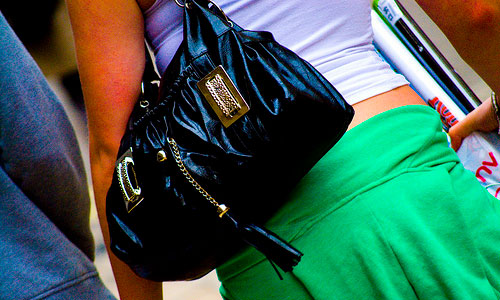 6 Hazards Your Handbag Carries