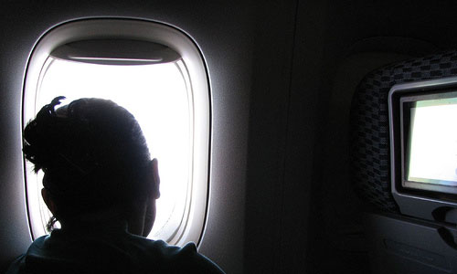 8 Things to Do to Pass Time in an Airplane