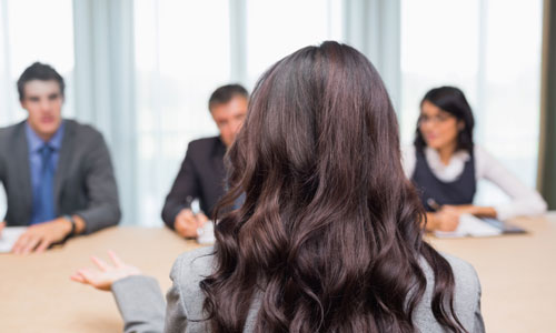 10 Body Language Mistakes to Avoid During an Interview