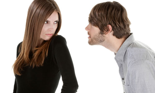 7 Tips to Deal With a Bossy Boyfriend