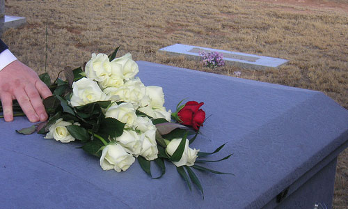 6 Etiquette to Keep in Mind While Attending a Funeral