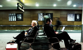 6 Things You Can Do While Waiting at the Airport