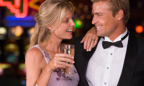 7 Super Ways to Hook Up With Rich Guys
