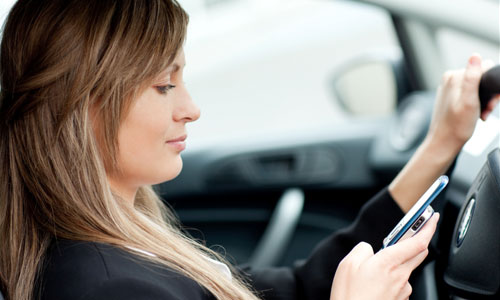 5 Reasons You Shouldn't Text While Driving