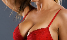 8 Tips to Enhance Your Cleavage
