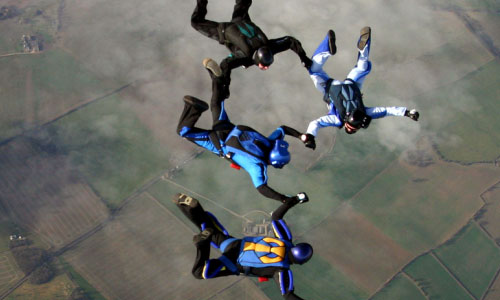 8 Best Places to Skydive Around the World