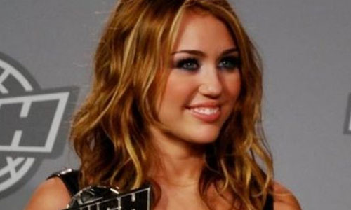 6 Reasons to Hate Miley Cyrus