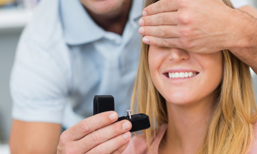 6 Signs Your Boyfriend is Going to Propose