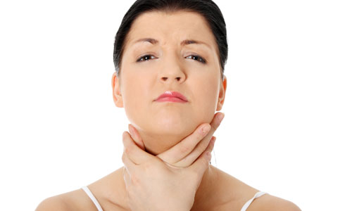7 Natural Remedies to Cure a Dry Throat