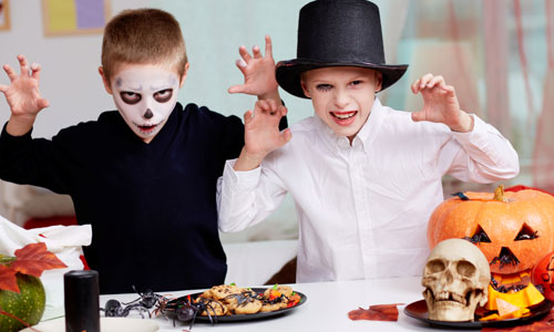 6 Halloween Costumes for Twins