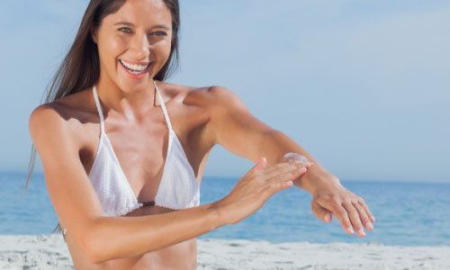 5 Reasons Sunscreen Keeps you Young