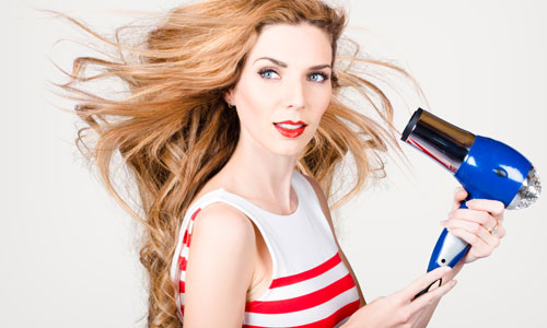 6 Steps to Blow Dry Curly Hair Straight