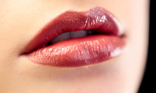 5 Tips for Making Your Lips Look Plumper