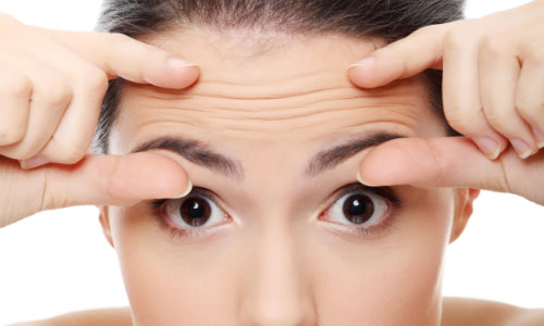 7 Tips to Fight Forehead Wrinkles